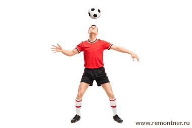 Футбольный фристайлер. Игра головой.