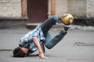 Футбольный фристайлер